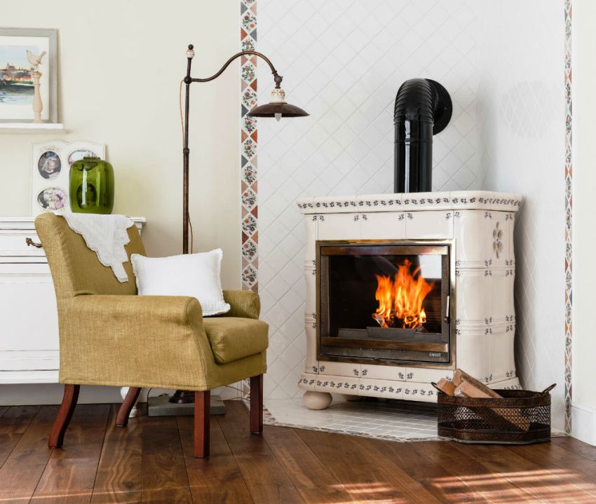 Аура классического дизайна гостиной во многом опирается на правильно подобранные предметы декора