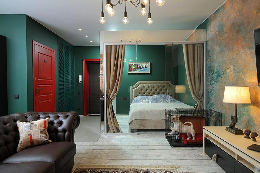 При оформлении спальни и гостиной в одном помещении, главное – грамотно выполнить зонирование