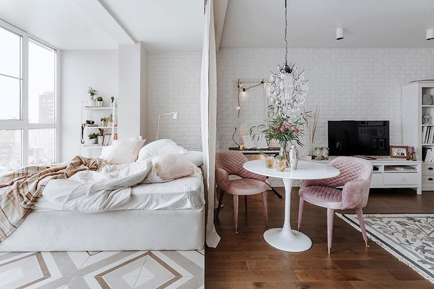 Штора является одним из самых простых элементов зонирования комнаты