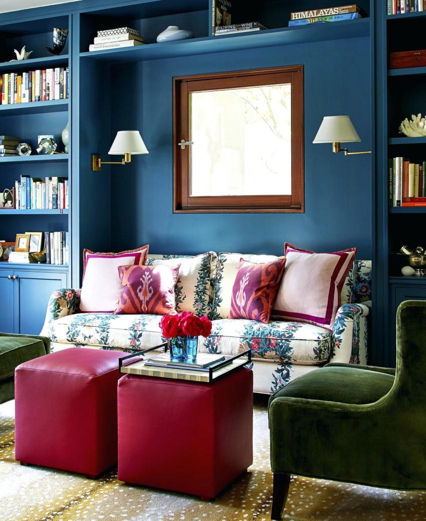 Привлечь внимание и внести в интерьер гармонию позволят декоративные яркие подушки для дивана