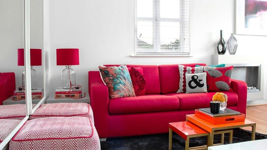 Белый цвет способен наполнить помещение воздухом и светом, но его нужно разбавить яркими аксессуарами и контрастной мебелью