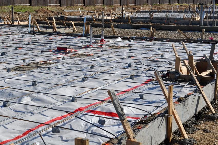 Строительство монолитной фундаментной плиты это сложный процесс, требующий ответственного подхода