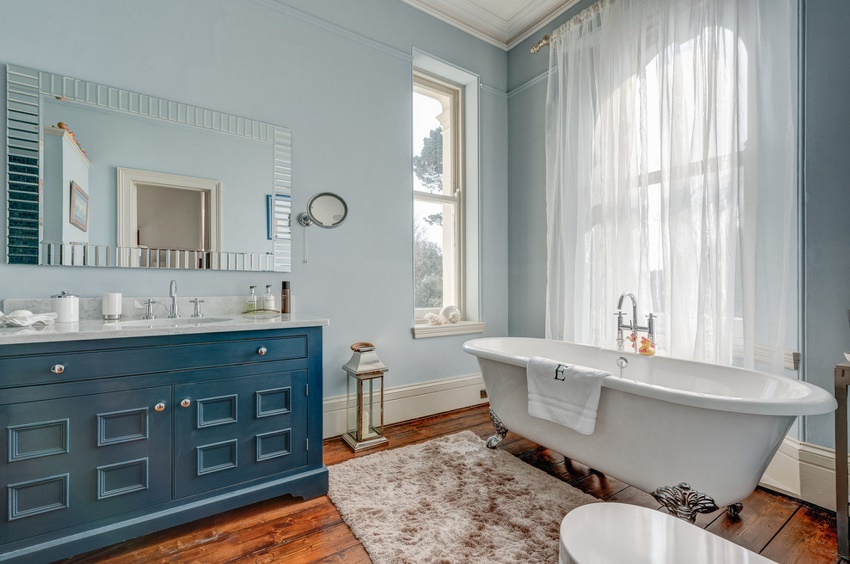 Проход к ванне или душевой кабине должен составлять от 70 до 120 см