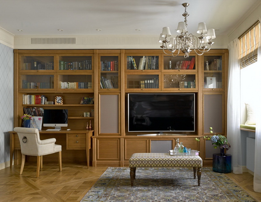 Некоторые модели стенок могут быть дополнены столом для компьютера и застекленными витринами