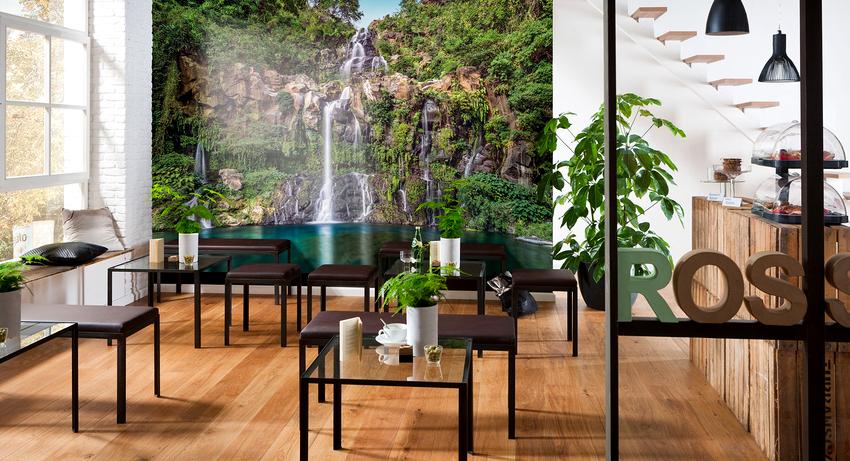 Теплые цвета в интерьерных пейзажах настраивают на дружелюбные отношения, поэтому рекомендованы для гостиной