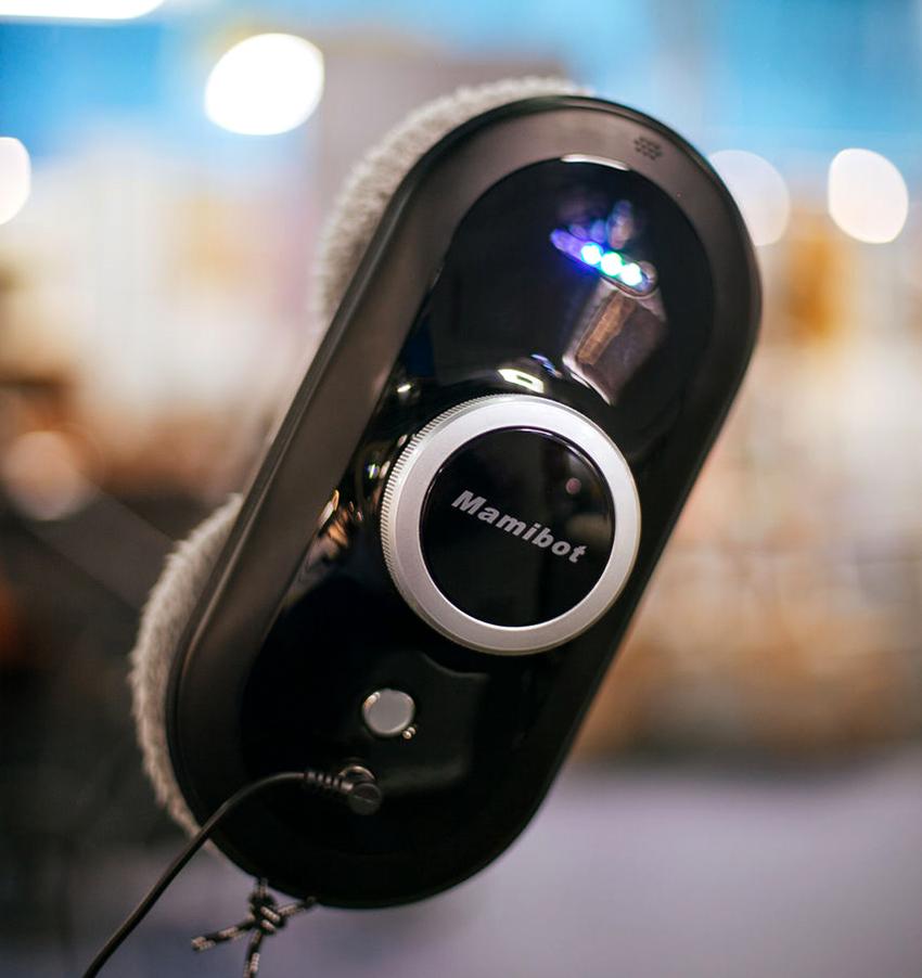 Робот Mamibot W110 может мыть не только стеклянные поверхности, но также кафель и зеркала
