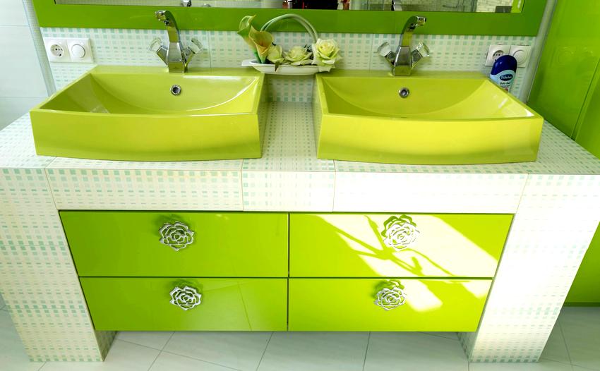 Зеленые оттенки мебели для ванной активизируют самовосстановление человеческого организма