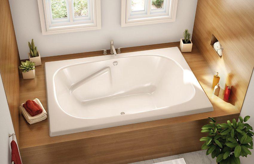 Стальные ванны обладают небольшой массой, что является немаловажным плюсом при транспортировке