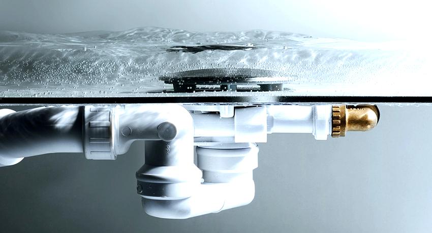 Канализационный гидрозатвор служит для предотвращения проникновения неприятных запахов в помещение из сточной системы