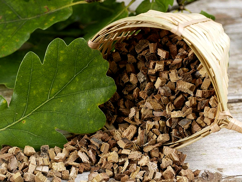 Для получения морилки черного цвета используют дубовую кору