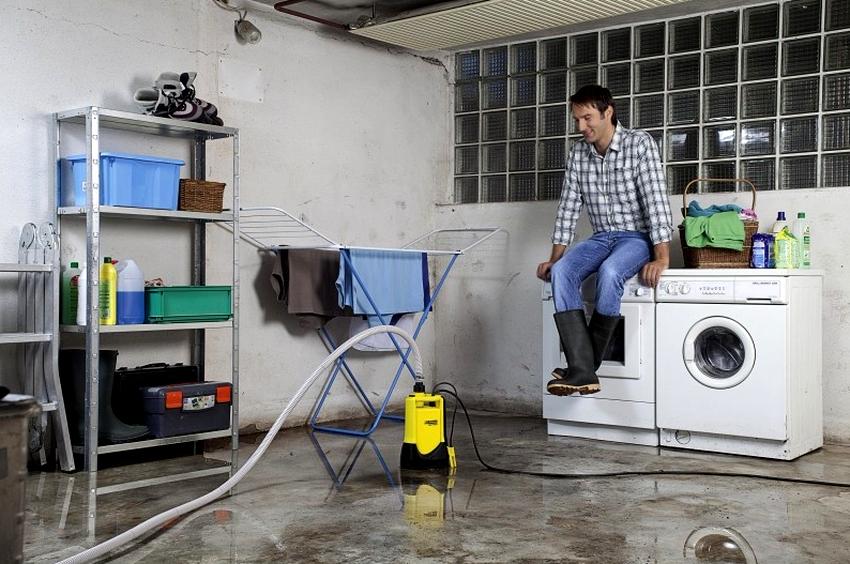 Дренажные насосы применяют в случае, когда необходимо откачать воду из затопленного подвала или погреба