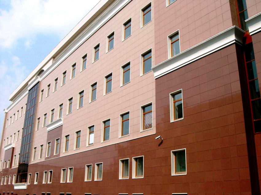 Установка системы вентилируемого фасада выполняется быстро и может производиться в любой период года