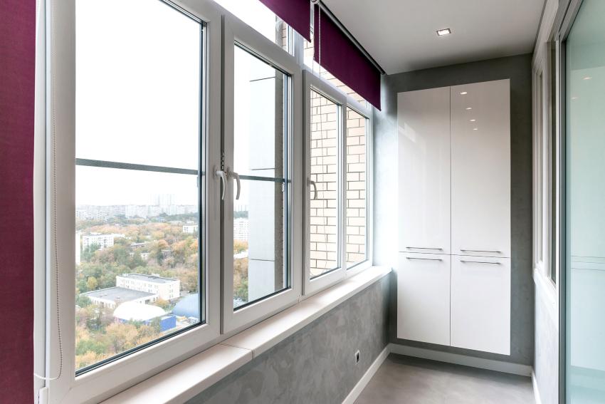 Какой бы ни была конструкция шкафа, нужна изоляция балкона, чтобы температура оставалась всегда постоянной