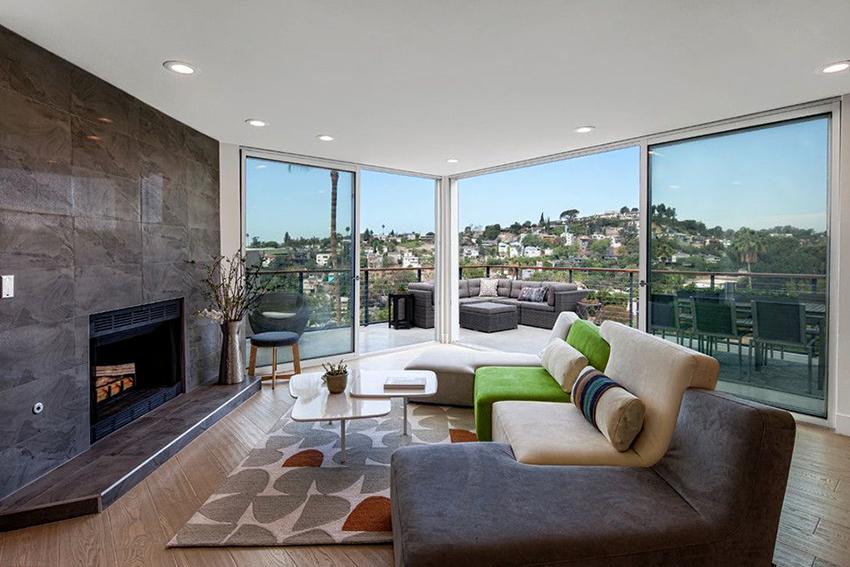 Модульный диван станет украшением гостиной в минималистичном стиле
