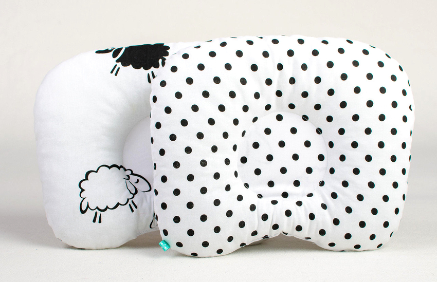 Стандартные размеры подушек для малышей составляют 40х40 см