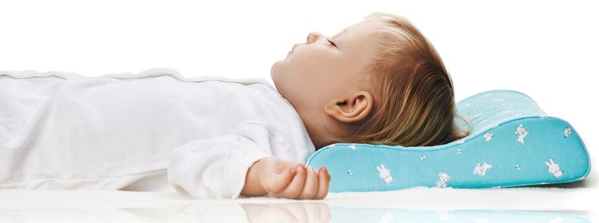 Идеальной подушкой для младенца является та, которая содержит синтетический наполнитель