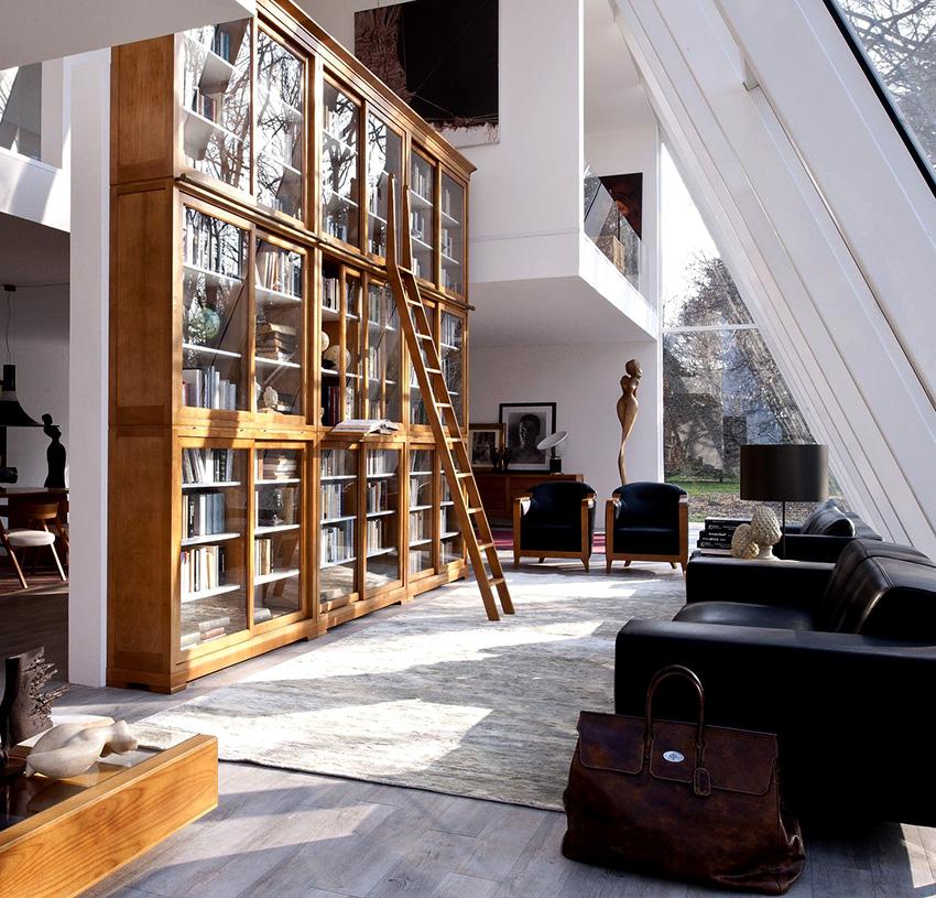 Книжные шкафы-витрины являются украшением помещений