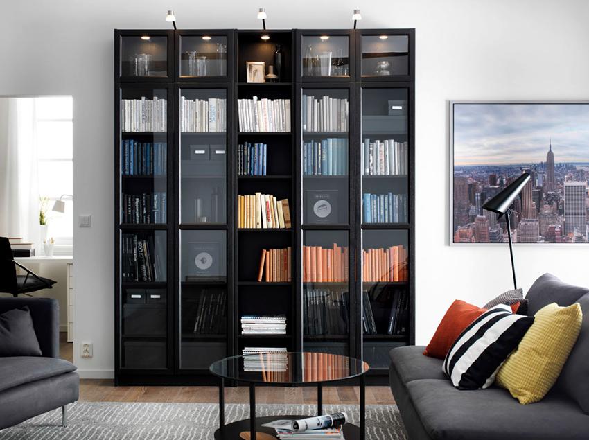 Шкафы-купе для книг выглядят стильно и удобны в использовании