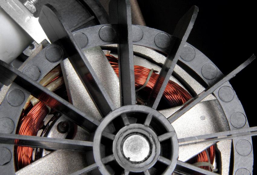 Большинство бетоносмесителей объемом свыше 250 литров оснащаются трехфазным двигателем