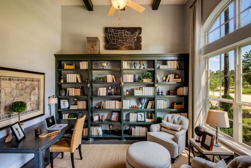 Для любого стиля будь-то прованс или лофт, легко можно подобрать соответствующий книжный шкаф