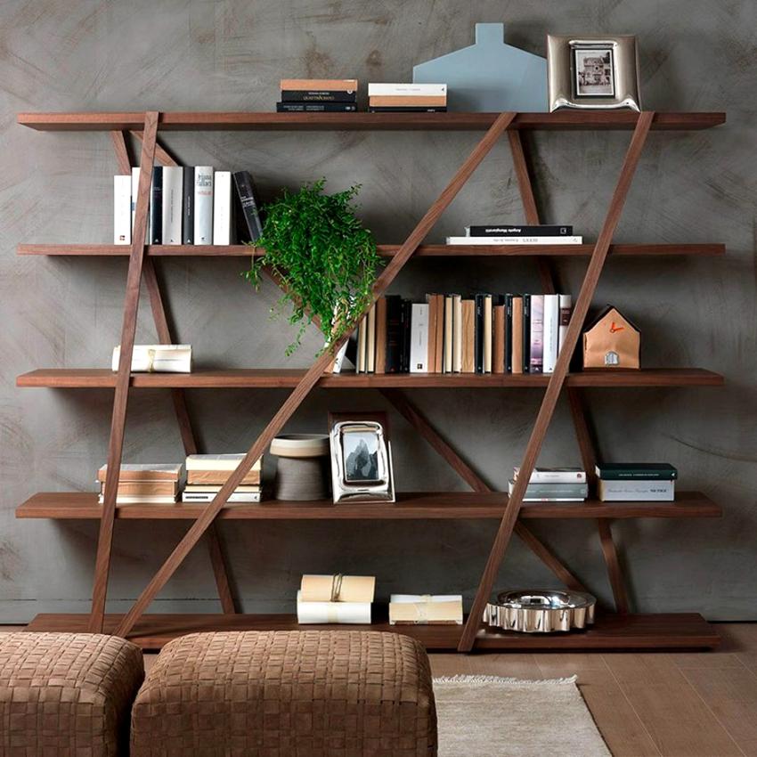 Компания Икеа представляет огромный ассортимент стеллажей для книг
