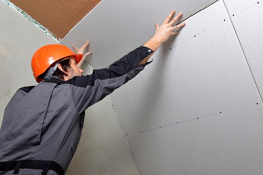 Листы ГВЛ могут применяться для отделки потолка, пола и стен