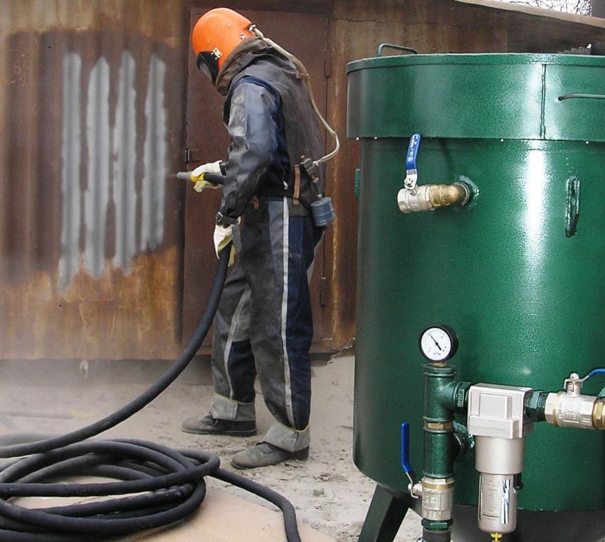 Применение качественных комплектующих при изготовлении пескоструйного аппарата своими руками обеспечит надежность изделия