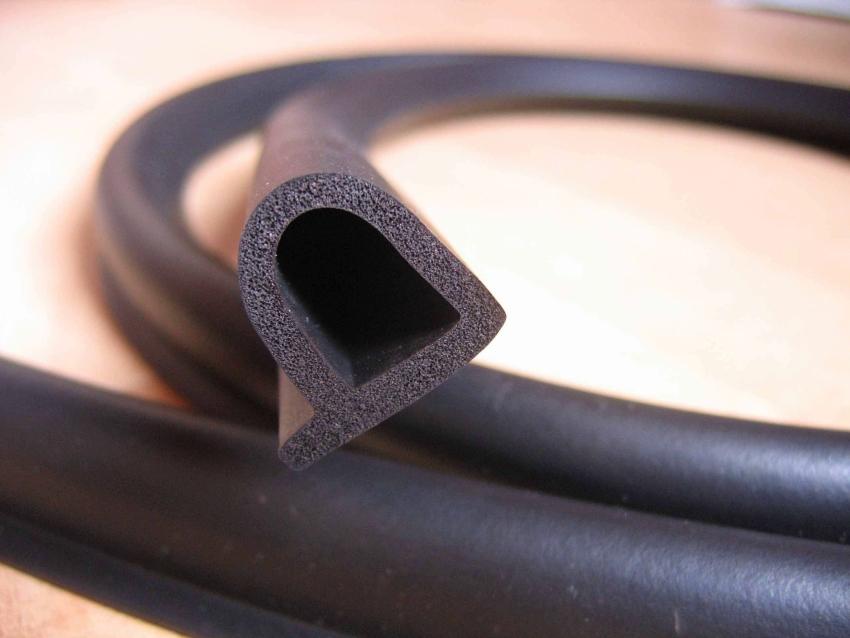Трубчатый Р-образный уплотнитель для дверей