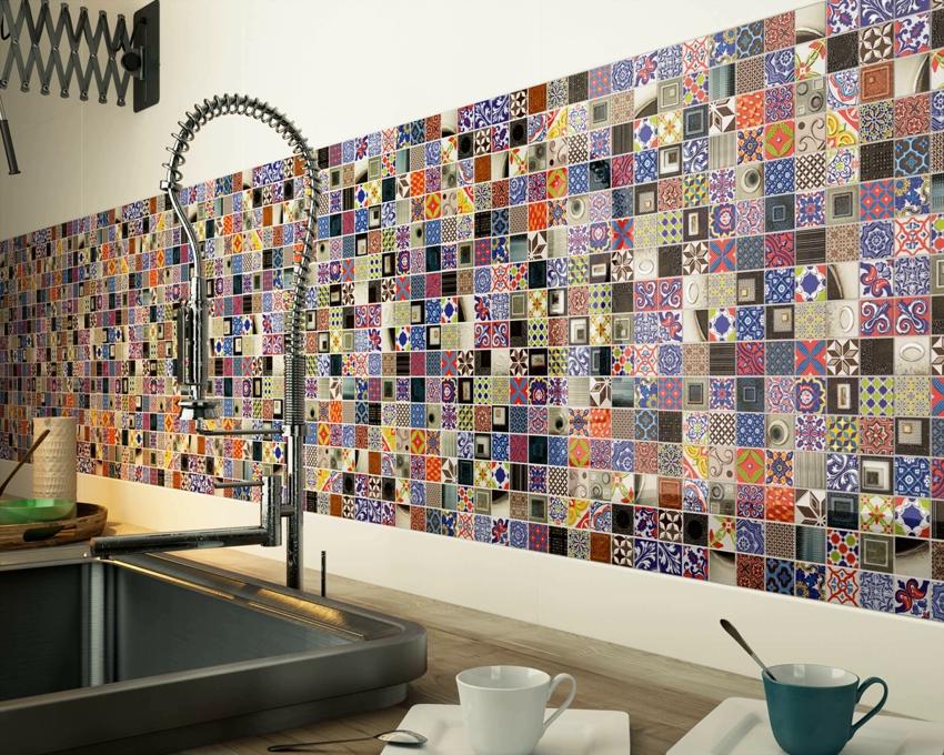 Фартук из разноцветной плитки может стать ярким акцентом интерьера